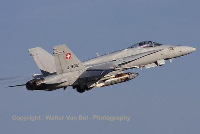 SwissAF_FA-18C_Hornet_J-5012_cn1352-SFC012_EBBL_20090918_CRW_16496_WVB_ed2