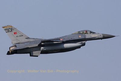 TuAF_F-16C_93-0689_192Filo_cnHC-33_EHVK_20101013_IMG_23778_WVB_1200px