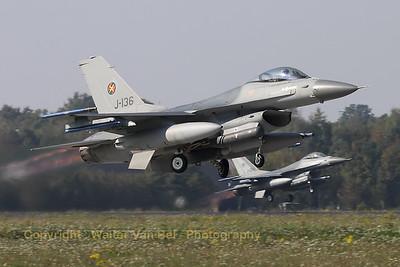 RNLAF_F-16AM_J-136_cn6D-126_EHVK_20101013_IMG_23668_WVB_1200px