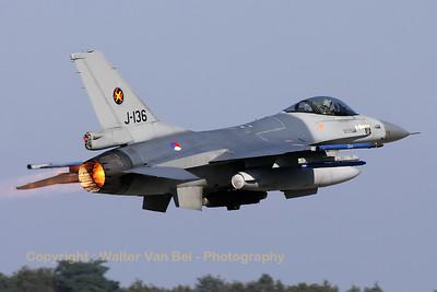 RNLAF_F-16AM_J-136_cn6D-126_EHVK_20101013_IMG_23671_WVB_1200px
