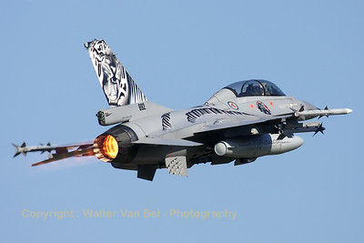 RNoAF_F-16BM_692_6L-11_FLO_EHVK_20101013_IMG_23582_WVB_1200px