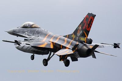 BAF_F-16AM_FA-87_31-Tiger_LFQI_20110516_IMG_30779_WVB_1200px