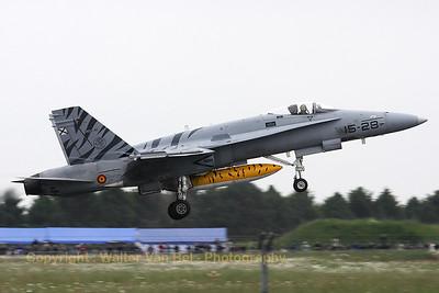SpAF_EF-18A_C15-41_15-28_LFQI_20110516_IMG_30521_WVB_1200px