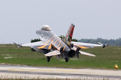 BAF_F-16AM_FA-87_31-Tiger_LFQI_20110516_IMG_30785_WVB_1200px