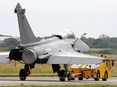 French Navy Rafale M being towed over the taxiway at BAN Landivisiau. It seems that this Rafale M has some parts missing ;-)