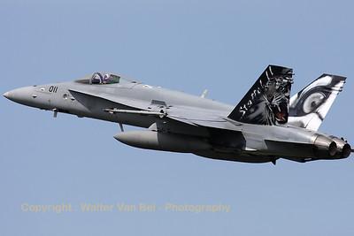SwissAF_FA-18C_Hornet_J-5011_LFQI_20110511_IMG_30074_WVB_1200px_ed2