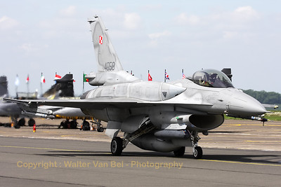 A Polish Air Force F-16CJ from 6.elt (4058; cn JC-19), on the taxiway prior to take-off from Cambrai's RWY28 during the Nato Tiger Meet 2011.
