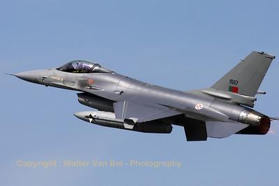 PortAF_F-16AM_15117_Esq301_cnAA-17_LFQI_20110511_IMG_30338_WVB_1200px