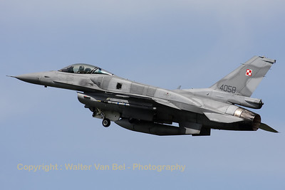 A Polish Air Force F-16CJ from 6.elt (4058; cn JC-19), on take-off from Cambrai's RWY28 during the Nato Tiger Meet 2011.
