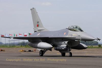 PortAF_F-16AM_15117_Esq301_cnAA-17_LFQI_20110511_IMG_30304_WVB_1200px