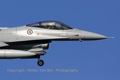 RNoAF_F-16AM_671_6K-43_FLO_EHVK_20101011_IMG_22798-nose_WVB_1600px