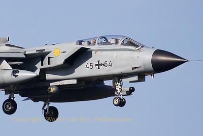 GAF_Tornado-IDS_45-64_AG51_EHVK_20101011_IMG_22876_WVB_1200px