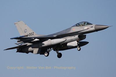 RNLAF_F-16AM_J-002_cn6D-158_EHVK_20101011_IMG_22833_WVB_1200px