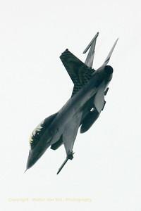 BAF_F-16BM_FB-18_cn6J-18_EBBL_20070710_CRW_9025_RT8_WVB_1000px