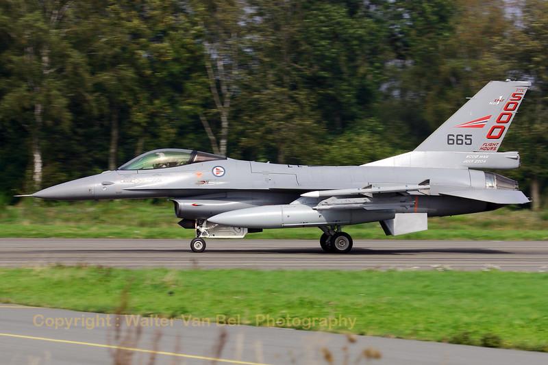 RNoAF_F-16AM_665_6K-37_FLO_EBFS_20060928_CRW_6639_RT8_WVB_2300px