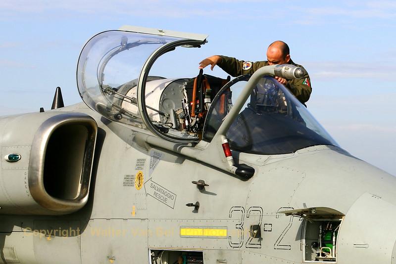 IAF_AMX_13Gr_MM7197_32-21_EBFS_20060928_CRW_6528_RT8_WVB_1200px