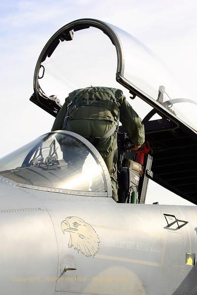 USAFE_F-15C_86-0176_48FW_493FS_LN_EBFS_20060928_CRW_6549_RT8_WVB_1200px
