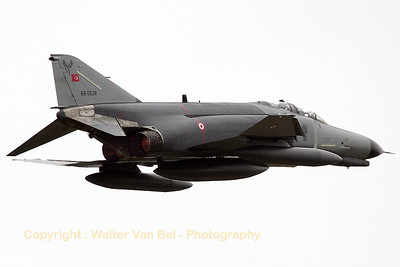 TuAF_F-4E-2020_68-0528_132Filo_cn3726_EBFS_20080522_IMG_0762_WVB_1200px