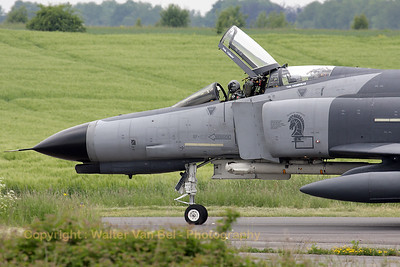 F-4E-2020 (68-0504, cn 3690) from 132 Filo of Turkish Air Force, returning to the apron at Florennes AFB after a TLP2008-3 mission.