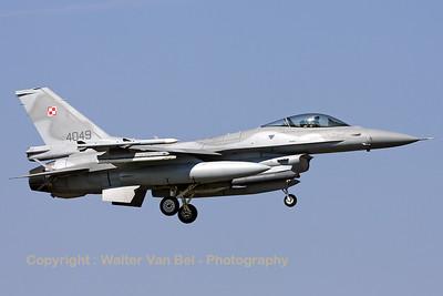 PoAF_F-16CJ_4049_cnJC-10_EBFS_20090331_IMG_5839_WVB_1200px