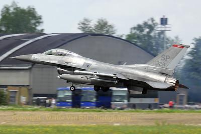 USAF_F16CJ_22FS_90-0828_SP_EBFS_20090520_IMG_6810_WVB_1200px