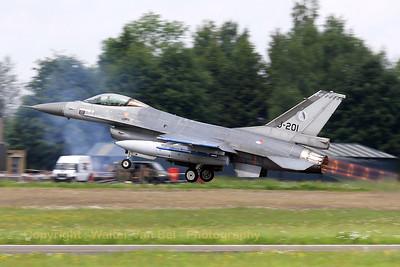 RNLAF_F-16AM_J-201_cn6D-108_322sq_EBFS_20090520_IMG_6724_WVB_1200px