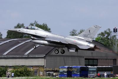 ItAF_F-16A-ADF_MM7253_cnM22-18_61-492_EBFS_20090520_IMG_6871_WVB