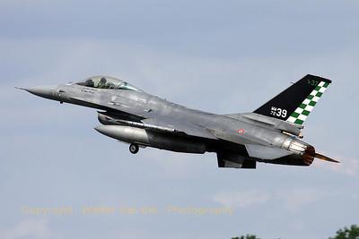 ItAF_F-16A-ADF_MM7239_cnM22-4_61-361_EBFS_20090520_IMG_6855_WVB_1200px_ed3