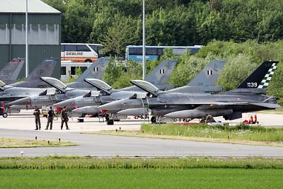 ItAF_F-16A-ADF_MM7239_cnM22-4_61-361_EBFS_20090520_IMG_6646_WVB_1200px