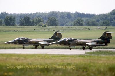 BAF_Starfighter_TF-104G_FC04_FC11_EDRB_19810613_scan_WVB_1024px