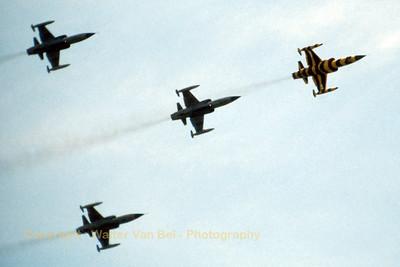 RCAF_CF-104_104761_Tiger_439Sqn_cn683A-1061_EDRB_June-1981_Scan4_WVB_1200px