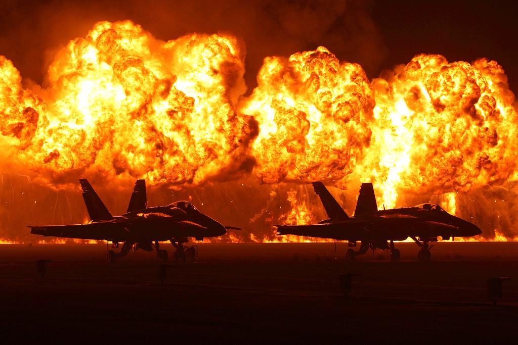 IMAGE: http://www.scapeshots.com/Aviation/Miramar/Miramar-Air-Show-2014/i-55bP9c5/1/XL/IMG_0460_mod-XL.jpg