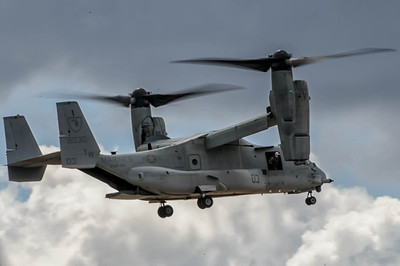 MV-22A Osprey in action at the NAS Miramar Air Show in San Diego_TOM8502-Edit