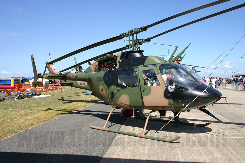 Australian Army Kiowa scout helicopter A17-016, Avalon Airshow 2005
