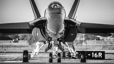 US NAVY Blue Angel Boeing F-18