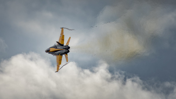 CF-18 Hornet Turn and Burn