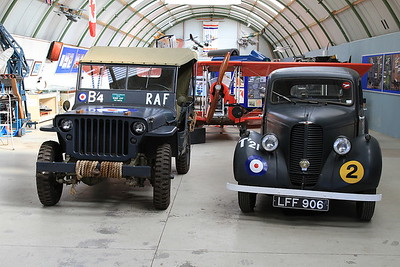 Ex-RAF Jeep & Staff Car, Montrose Air Station - 17/09/16.
