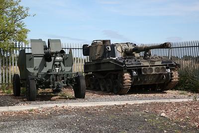 Bofors 40mm anti-aircraft gun & Abbot 105-mm Self-Propelled Gun - 04/08/18