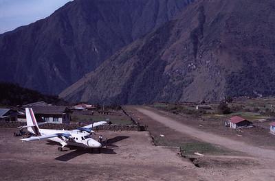 Nepal: Lukla airstrip (LUA / VNLK), 1990
