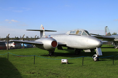 Gloster Meteor T.7, VZ634, on display outside at Newark Air Museum - 11/10/15.