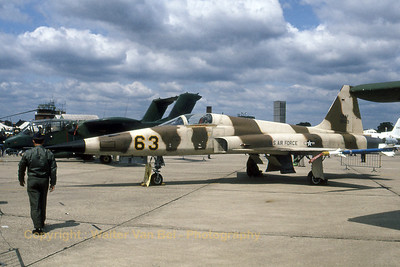 A very nice, and colourful, F-5E (74-1563 ;cnR1245) from the 527th Agressor Squadron in the static during the IAT at RAF Greenham Common. Next to the F-5E, one can see an OV-10A Bronco from the 601st TCW. Scan from old slide.