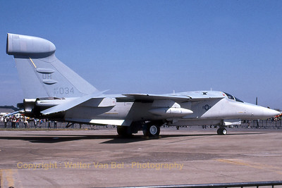 USAF_EF-111A_67-0034_UH_42ECS_cn79_EGVA_19850713_Scan_WVB_1200px