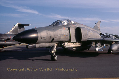 This German Air Force Phantom II (37+38, cn 4441) was parked in the static during RIAT at Fairford. I guess the crew ate a lot of chocolate to keep their office cool ;-) Scan from slide