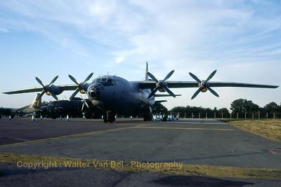 SlovakAF_An-12BP_2209_cn4342209_EGVA_199507xx_Scanned20070711b_WVB_1200px