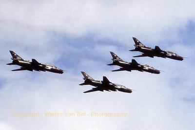 CzechAF_Su-22M-4K_4007-32-40407_EGVA_199507xx_Scanned20070518_WVB_1024px