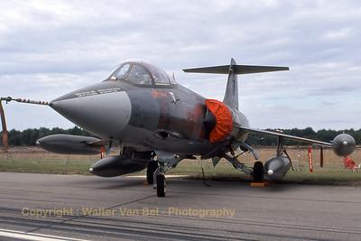 ItalyAF_F-104S_5-35_MM6920_EBBL_19950910_scan_WVB_1200px