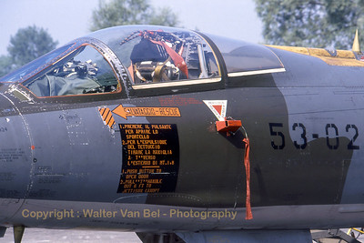 ItalyAF_F-104S_53-02_MM6824_cn1124_EBFN_19940703_scan_WVB_1200px