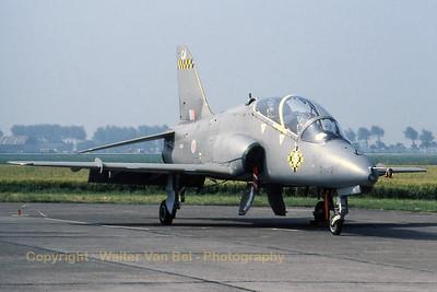 RAF_Hawk-T1_XX195-CA_cn042-312042_100sqn_EBFN_19940703_scan_WVB_1200px