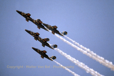 SwAF_Saab105_Sk60_60098-5_F17_Team60_EBFN_19940703_scan_WVB_1024px