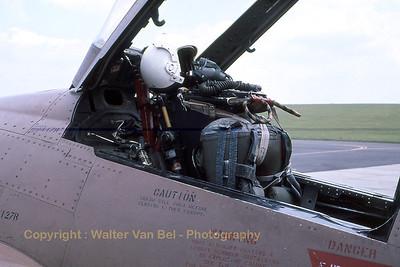 USAF_F-4D_66-7527_cn2053_aft-cockpit_EDRB_late-seventies_scan20080217_WVB_1200px